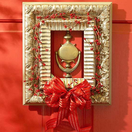 15 Stunning Christmas Door Decoration Ideas