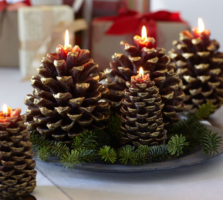 Beautiful-Christmas-Centerpiece-with-Candle