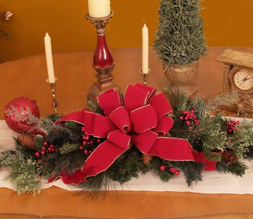 How To Perfect Your Christmas Table Decorations  CnNzLTAtNUIyZmRh: Top Christmas Centerpiece Ideas For This Christmas