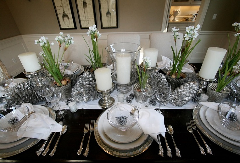 elegant christmas centerpiece ideas - Green Christmas Table Decorations