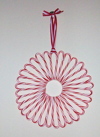 candy-cane-wreath