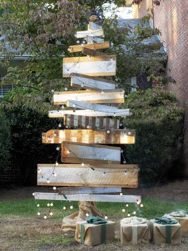 Top Outdoor Christmas Decorations Ideas - Christmas ... on Lawn Decorating Ideas id=19111