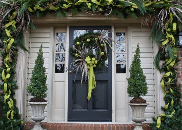 door-decorations-for-christmas