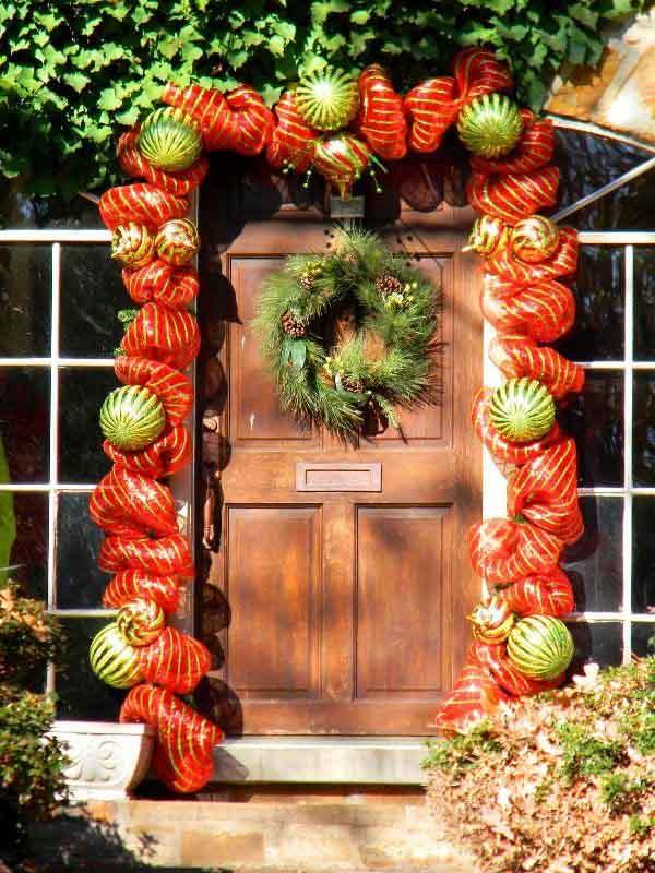 front-door-christmas-decorations