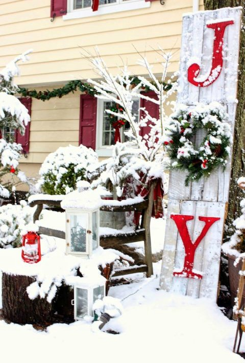 if you have a plain white house you can fill up your exterior with the traditional colors of christmas to brighten it up try to add some wreaths with a - Traditional Outdoor Christmas Decorations