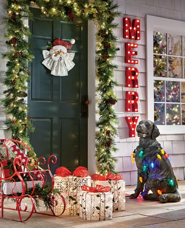 Charming Mixing Up Lively Decorative Colors Is A Fun Way For A Christmas Theme. It  Resembles Happy Moments And Makes You Feel Like A Kid Again. Design Inspirations