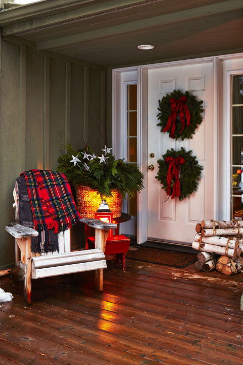Outdoor Christmas Porch Decorating Ideas