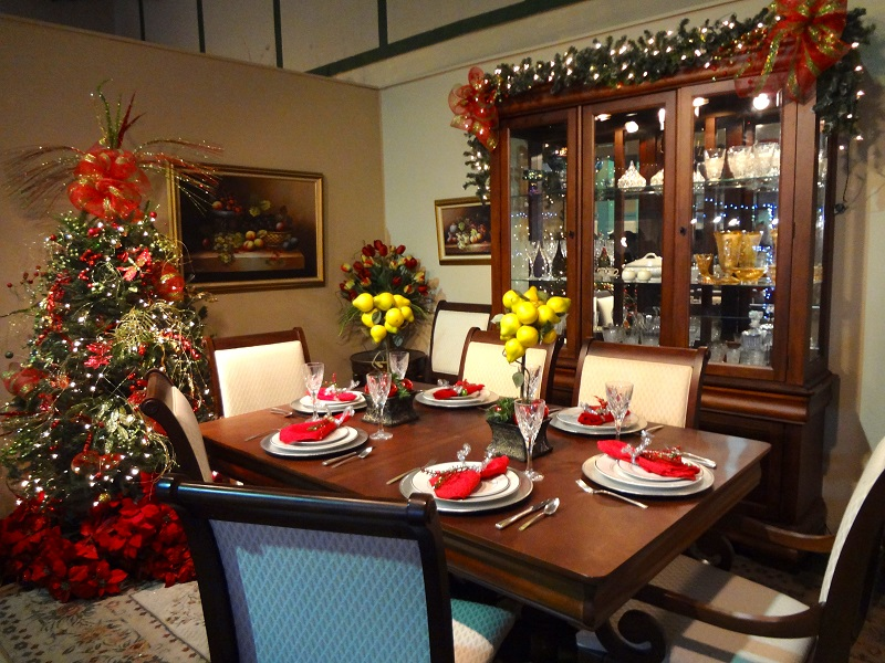 simple christmas indoor decorations - Dining Room Christmas Decorations