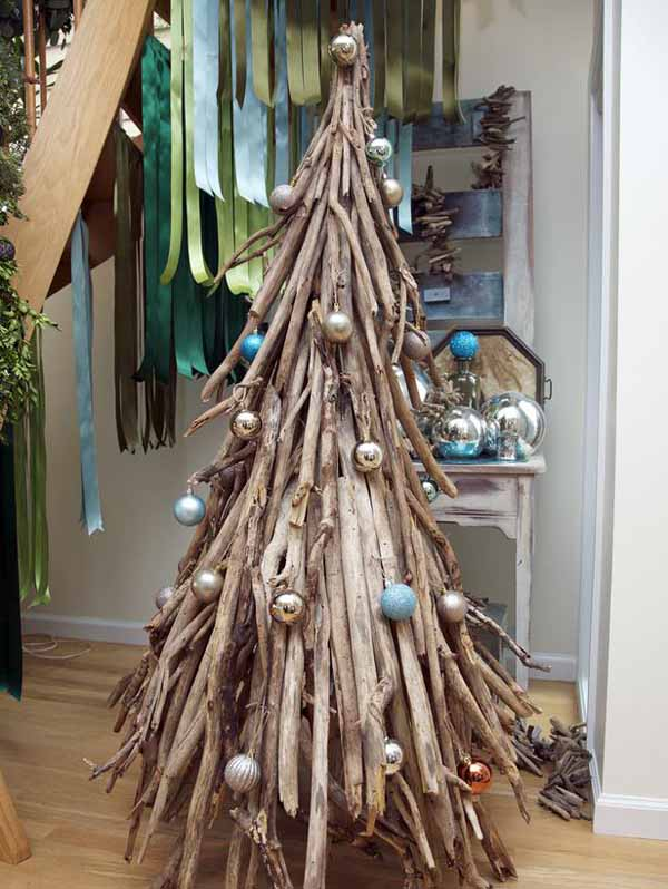 Unique and clever alternative christmas trees christmas for Unique christmas tree themes