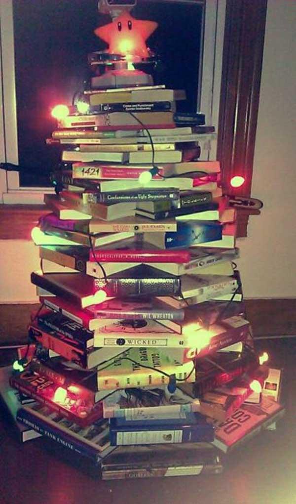 unusual-christmas-tree-with-lights