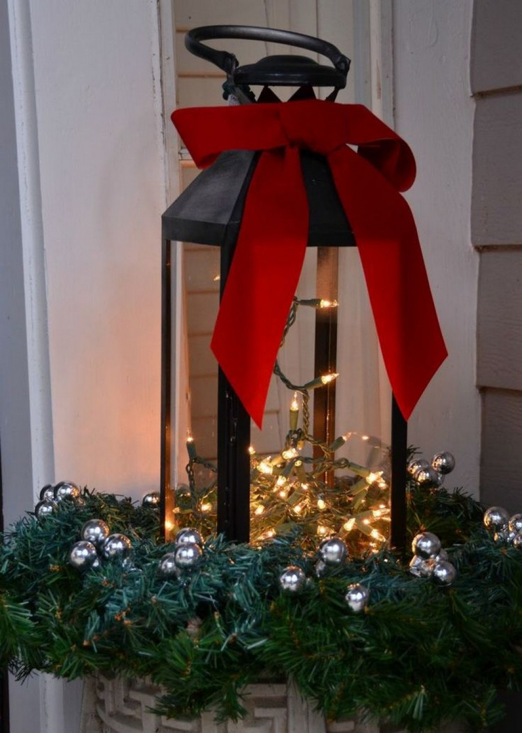 christmas lantern ideas - How To Decorate A Lantern For Christmas