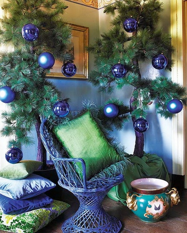 blue-Christmas-living-room-decor