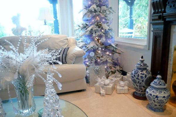 blue christmas living room - Blue And White Christmas Decorations
