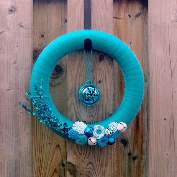 blue-christmas-wreath