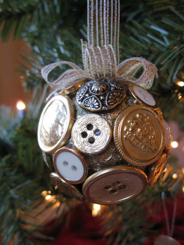 button christmas ornaments - Recycled Christmas Decor