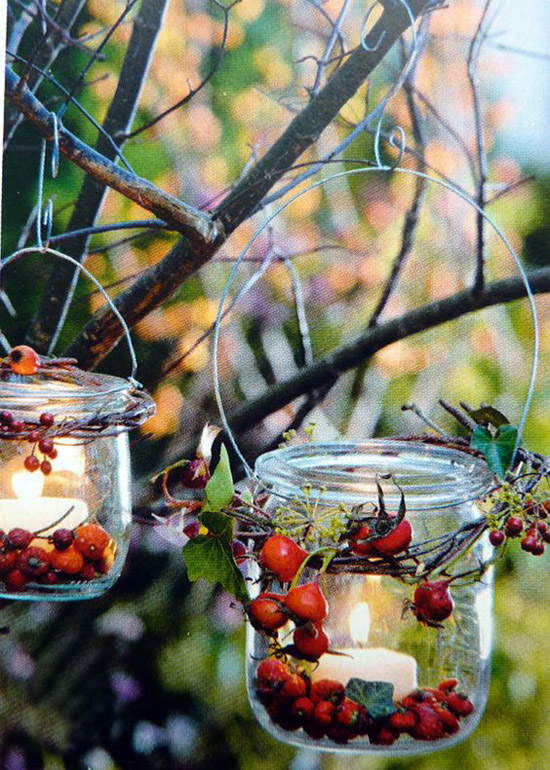 23 Stunning Christmas Lantern Decorations To Brighten Up