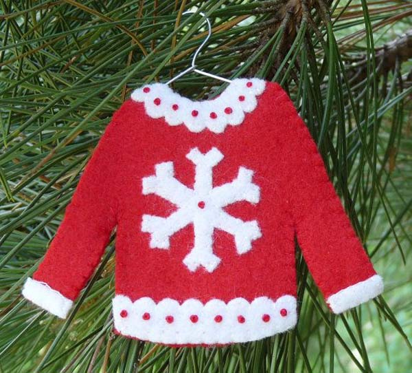 decoration for ugly christmas sweater party - How To Decorate A Ugly Christmas Sweater