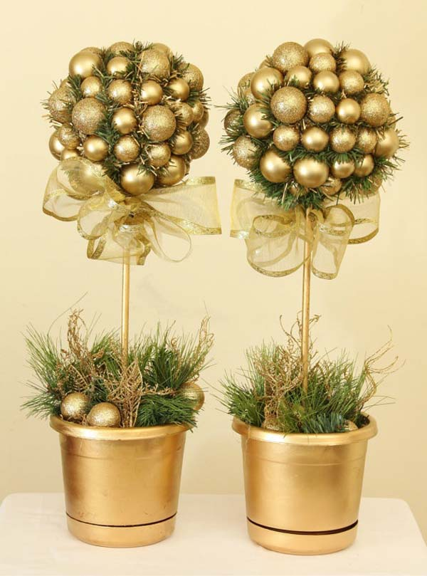 gold-christmas-decoration