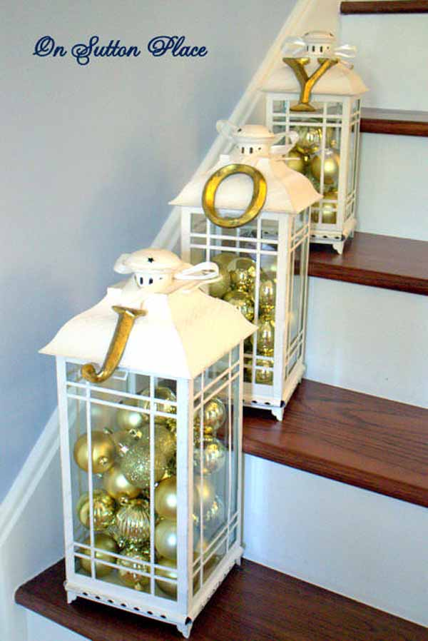 gold-christmas-stairway-decorating-idea