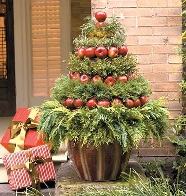 apples and greens christmas tree - Christmas Decorating Ideas For Outdoor Trees