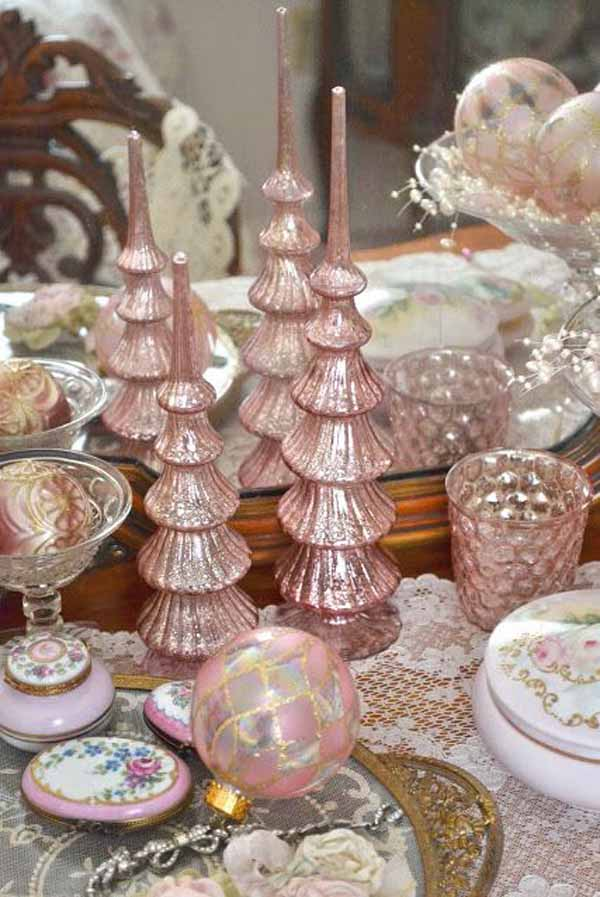 Pink Christmas Table Decorating Ideas