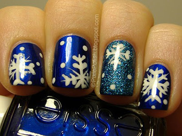 blue-christmas-nail-designs