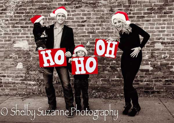 creative-family-holiday-photos