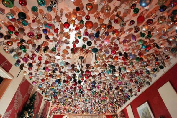 source - Christmas Ceiling Decorations