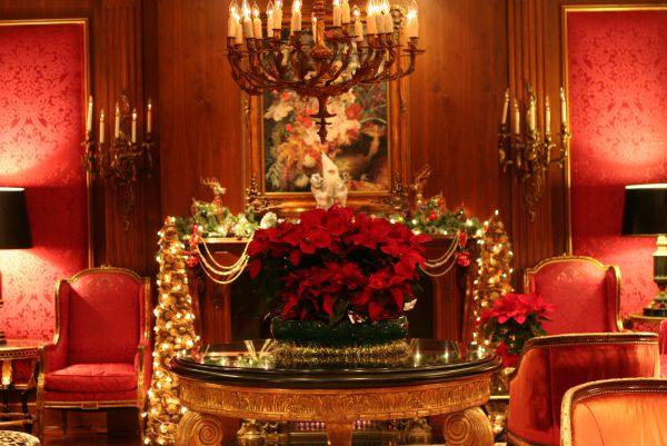 source source this extremely elegant red themed victorian christmas