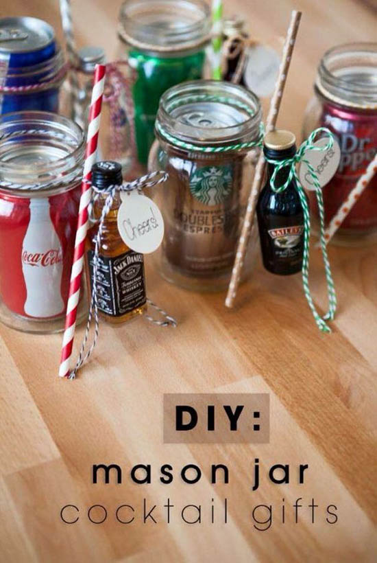 You Can Also Emble Your Own Homemade Christmas Party Favor Fill Mason Jar With Drinks And Attached A Collectibles In The Rim As Embellishment