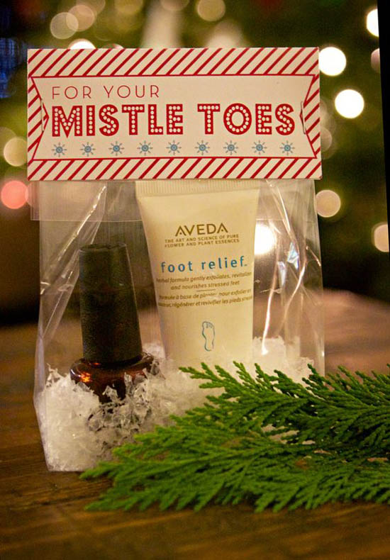 Pamper your guests after they enjoy the Christmas party by giving them away some pampering party favors. Be creative and crafty while doing so.