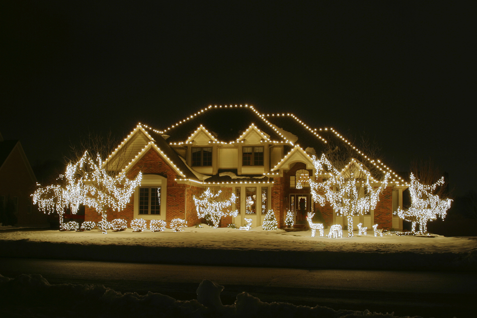 night christmas house 2 house is outlines and trees and yard decor lights included - Tasteful Outdoor Christmas Light Decorating Ideas