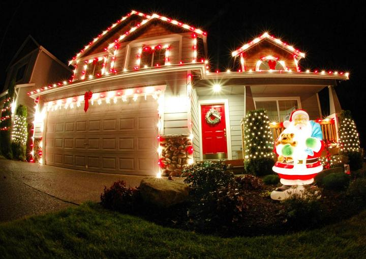 Mind blowing christmas lights ideas for outdoor christmas Pictures of houses decorated for christmas outside
