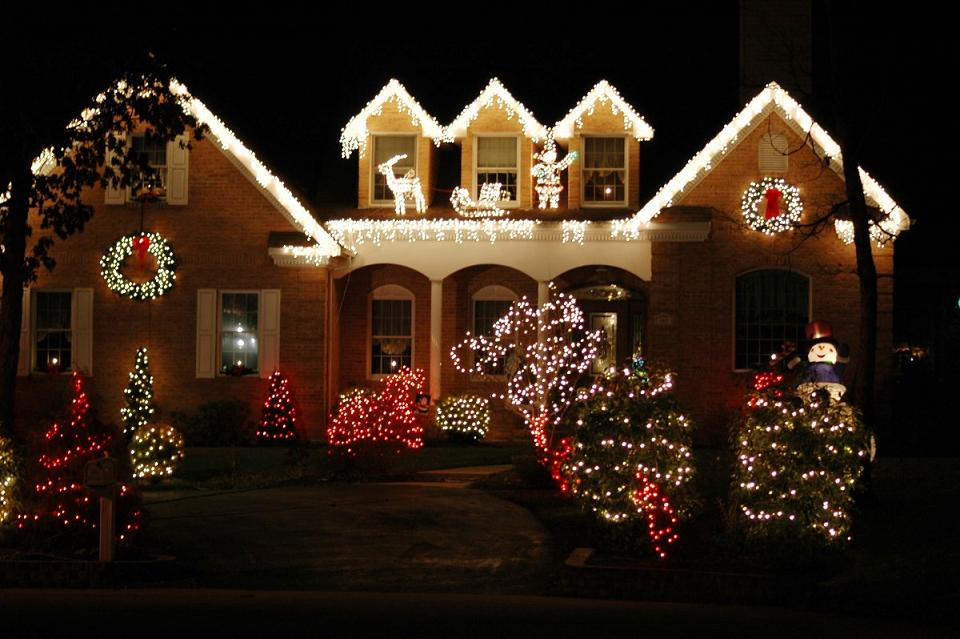 best outdoor christmas light decorations - Christmas House Decorations Outside