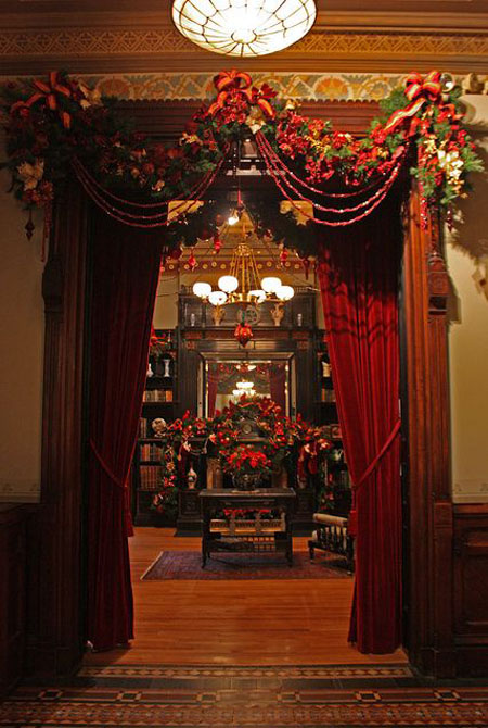 one of the characteristics of victorian homes is elegance one can achieve this by using elegant decorations with traditional colors like red velvet