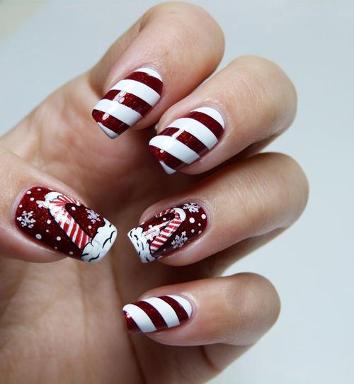 Christmas glitter design: nail-art - 25 Most Beautiful And Elegant Christmas Nail Designs - Christmas