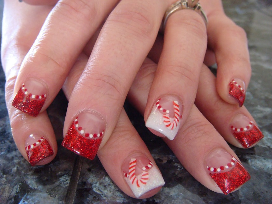 25 most beautiful and elegant christmas nail designs christmas cute christmas nail designs prinsesfo Choice Image