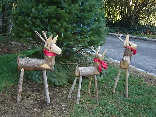 wooden reindeer with pretty bows - Wooden Deer Christmas Decorations