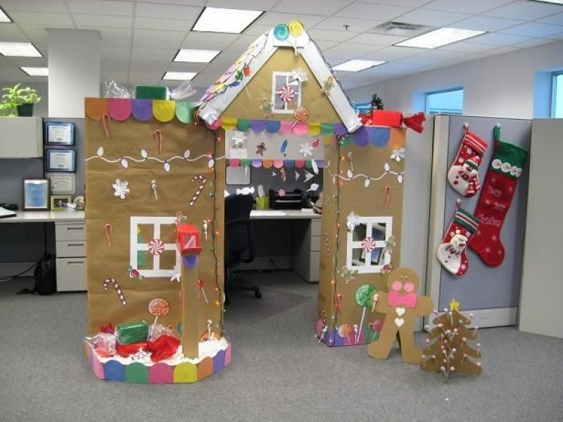 christmas decorating for the office. Simple The Src  Httpwwwwolfhouseuschristmasdecoratingideasforanoffice Cubicle To Christmas Decorating For The Office