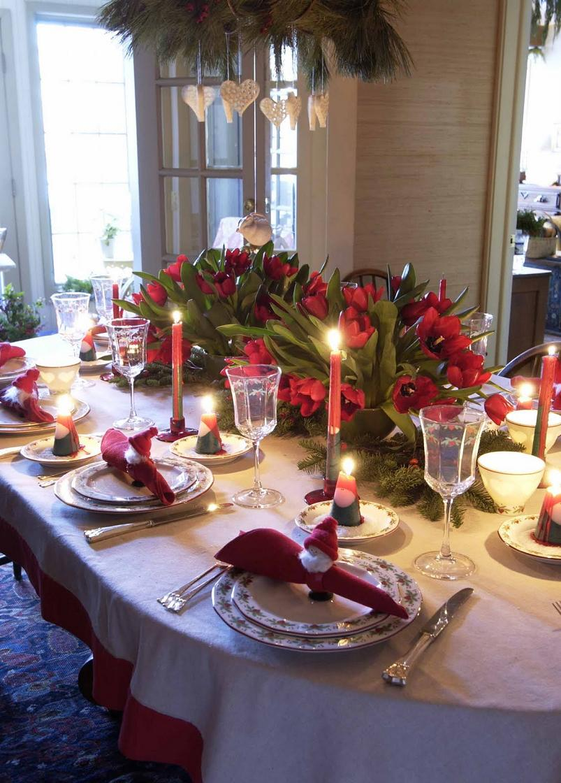 christmas dining room1 - Christmas Dinner Table Decorations