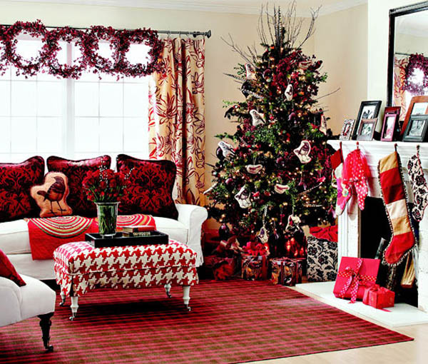 Most beautiful christmas living room decorating ideas for for Living room xmas ideas