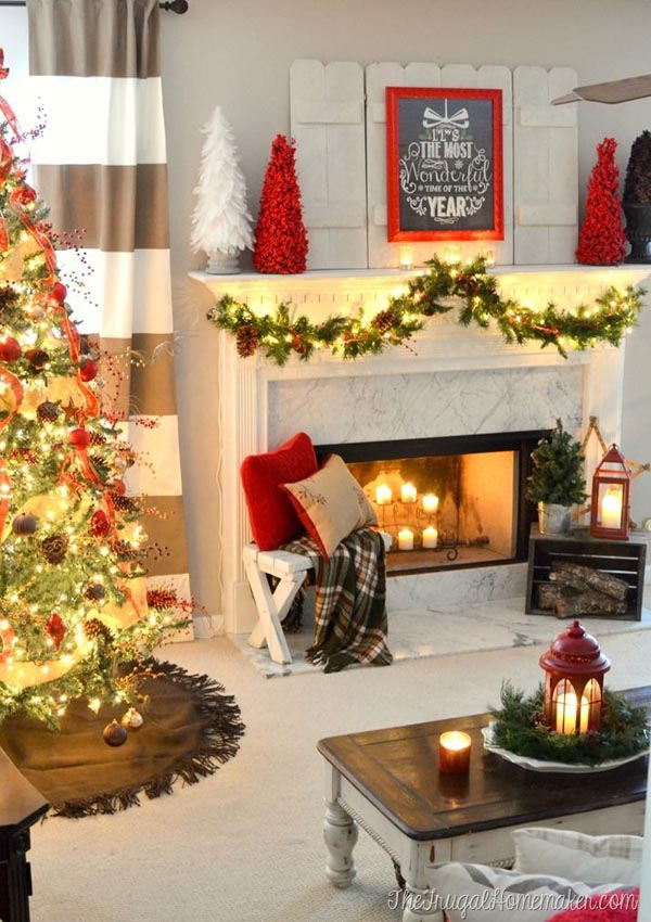 Beautifully Decorated Living Rooms For Christmas With Vaulted Systems: Christmas Living Room Decorating Ideas