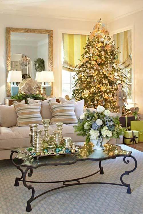Nice Christmas Living Room Decorations 23