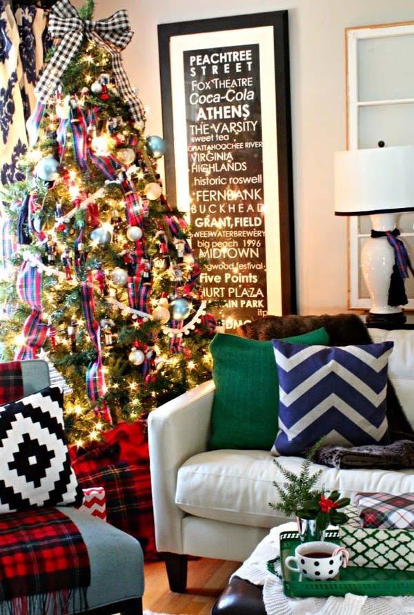 christmas-living-room-decorations-24