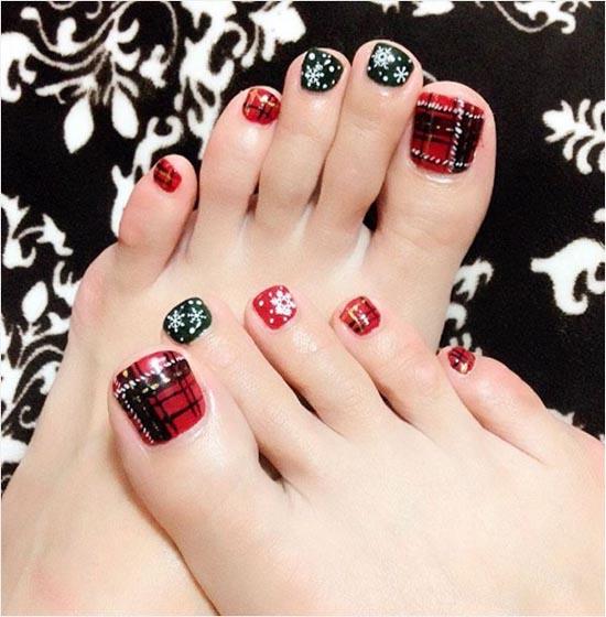 christmas-toe-nail-designs-03