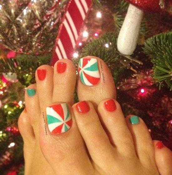 christmas-toe-nail-designs-06