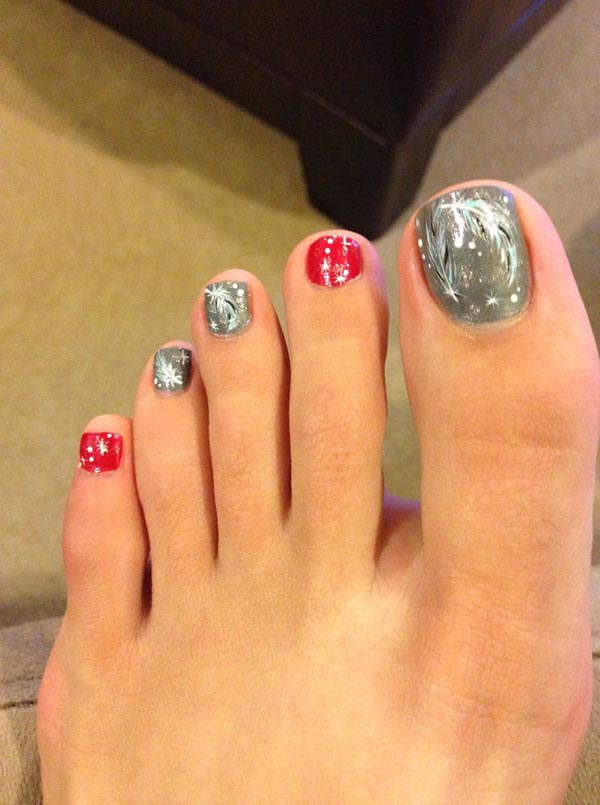 Christmas Toe Nail Designs #13 - 30 Best And Easy Christmas Toe Nail Designs - Christmas Celebration