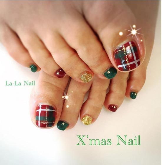 Christmas Toe Nail Designs #1 - 30 Best And Easy Christmas Toe Nail Designs - Christmas Celebration