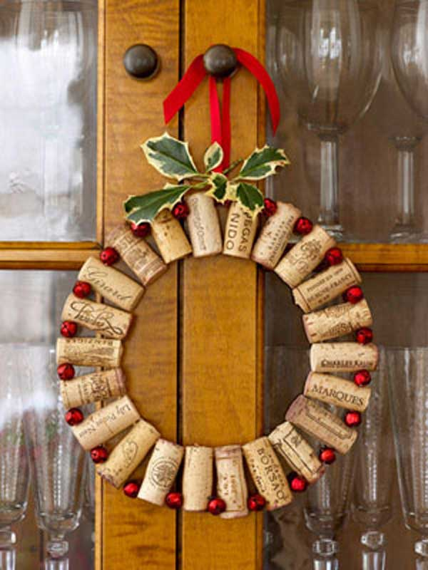 cork wreath - Recycled Christmas Decor