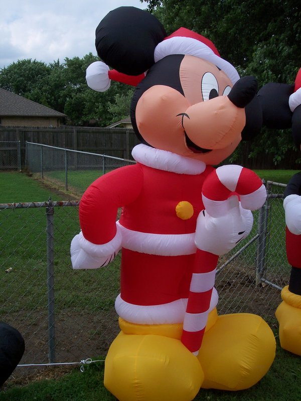 top images for mickey and minnie mouse christmas lawn decorations on picsundaycom 14102018 to 0350 - Mickey Mouse Christmas Lawn Decorations